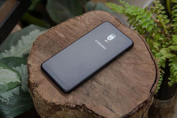 Muốn sở hữu chiếc điện thoại camera kép với túi tiền tầm trung thì Galaxy J7+ chính là lựa chọn hoàn hảo rồi đấy!