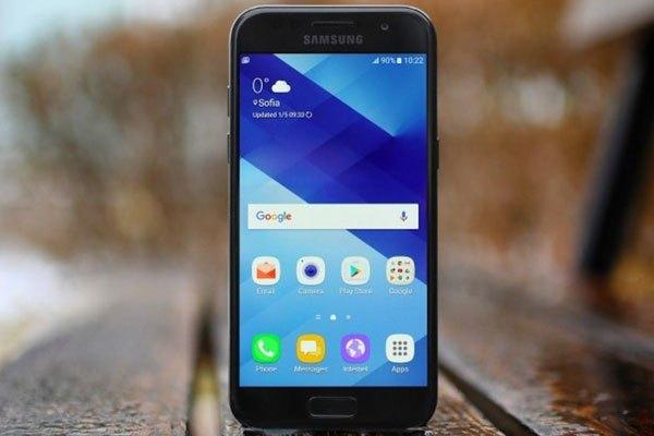 Điện thoại Galaxy A3 2017 với cảm ứng hoàn hảo nhờ mặt kính 2.5 D