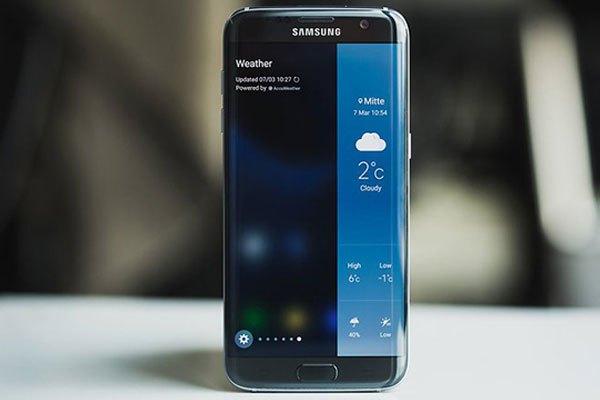 Điện thoại Galaxyy S7 edge màu đen ngọc trai quyến rũ
