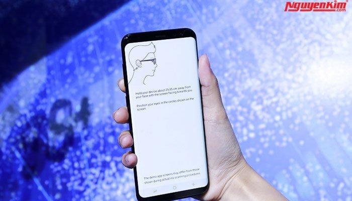 Cảm biến mống mắt trên điện thoại Galaxy S8