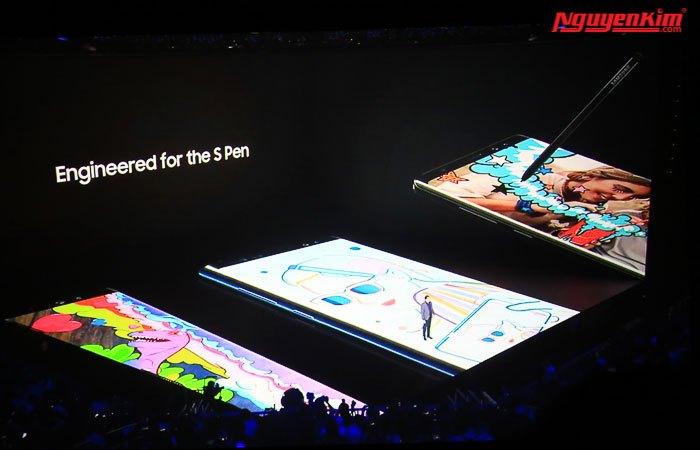 Thiết kế S-Pen của điện thoại Galaxy Note 8 đầu bút nhỏ hơn