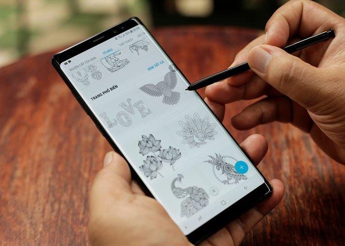 """Thỏa sức sáng tạo nghệ trên với chiếc bút """"ma thuật"""" S Pen trên chiếc điện thoại Samsung Galaxy Note 8"""