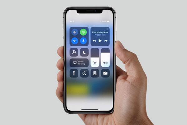 Phần tai thỏ của iPhone X nhận được nhiều ý kiến đánh giá khác nhau