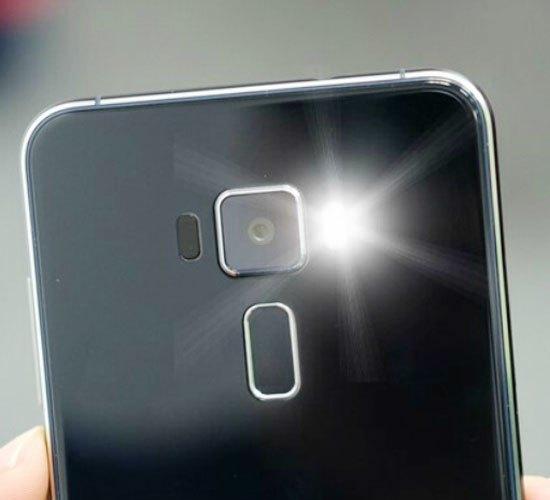 Chỉ với những thao tác đơn giản, bạn dễ dàng bật đèn Flash thông báo cho điện thoại