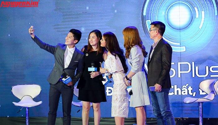 Hoàng Thùy Linh ấn tượng với Vivo V5 Plus