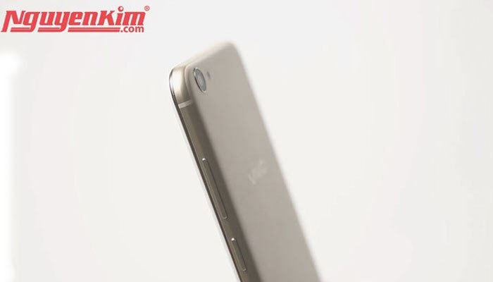 Thiết kế điện thoại Vivo V5s sang trọng với lớp vỏ kim loại