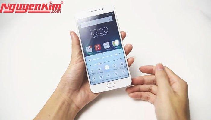 Giao diện điện thoại Vivo V5s tương tự như iPhone