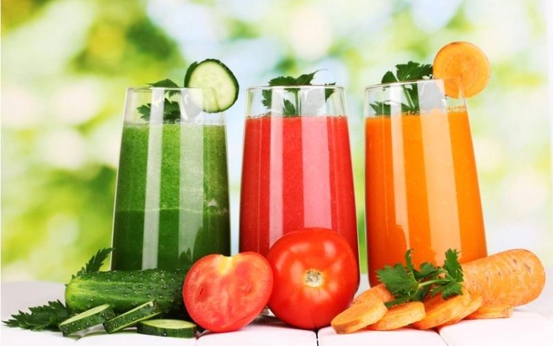 Nước ép trái cây tươi nên được bảo quản như sữa vì dễ lên men, hư hỏng
