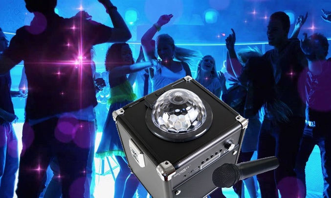 Loa vi tính Soundmax D1000 với thiết kế di dộng, rất phù hợp với những buổi vui chơi ngoài trời