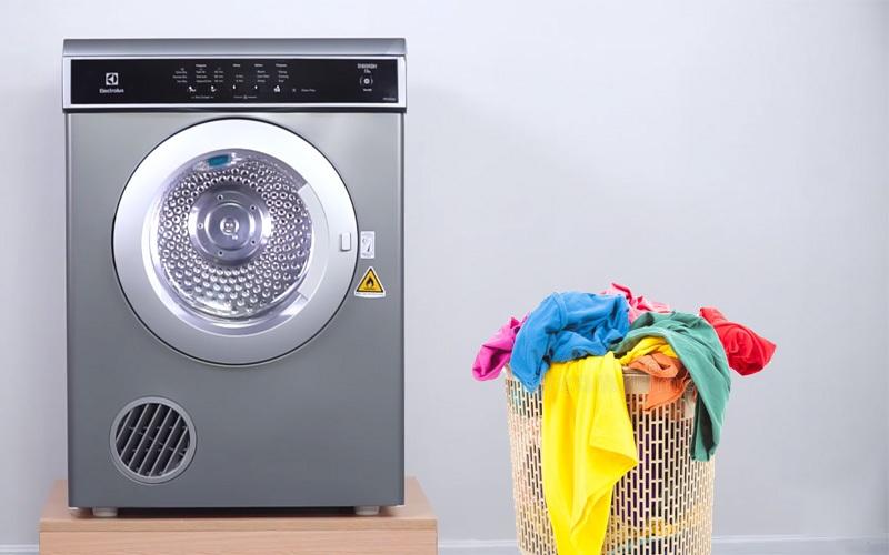 Máy sấy quần áo Electrolux 7.5 kg EDS7552S màu bạc xám lồng sấy bằng thép không gỉ bền bỉ
