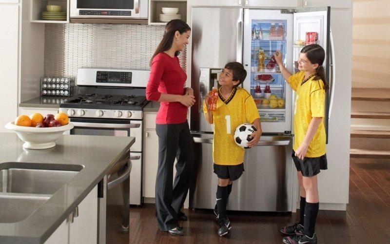 Mua tủ lạnh mới cho gia đình thêm tiện nghi