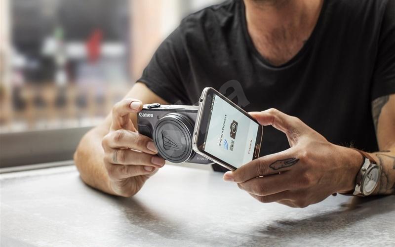 Máy ảnh có thể chia sẻ ảnh trực tiếp qua điện thoại