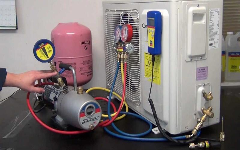 Bơm gas là cách để khắc phục nhanh nhất tình trạng này