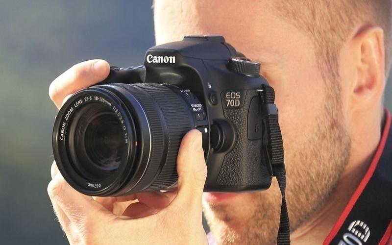 Bạn yên tâm chụp hình cả ngày với máy DSLR