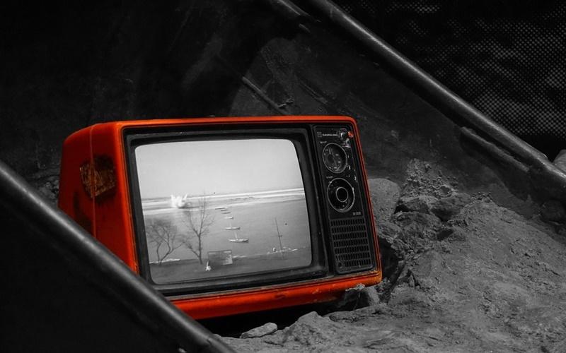 Tivi đã quá cũ thì bạn cũng nên thay mới