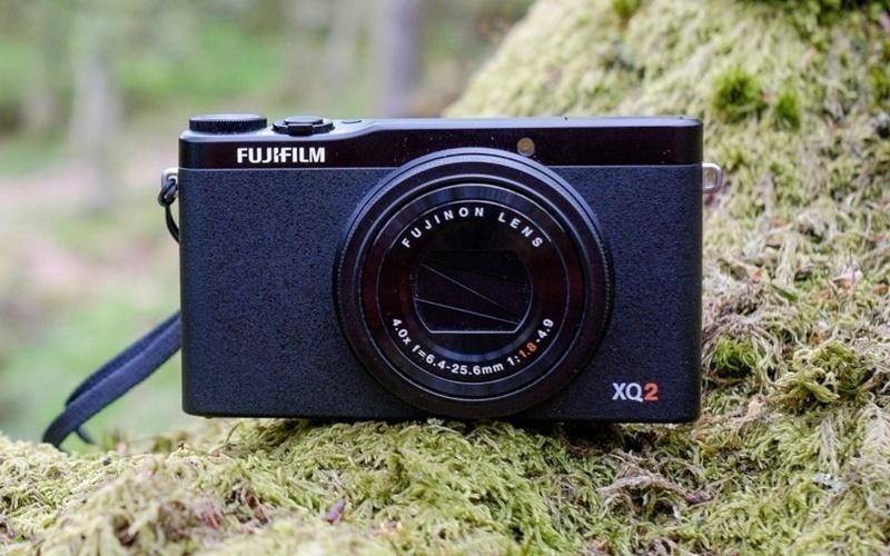 Máy ảnh du lịch Fijifilm XQ2 thiết kế nhỏ gọn