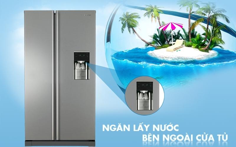 Tủ lạnh side by side Samsung sở hữu ngăn lấy nước bên ngoài tiện lợi