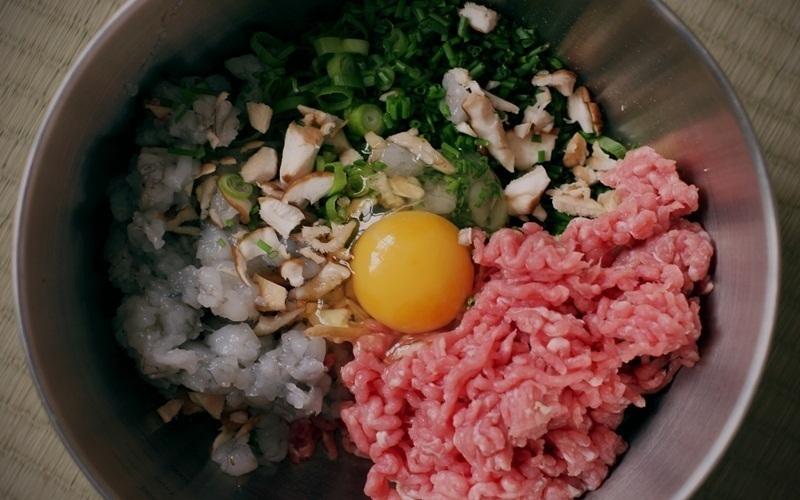 Không được nấu nhiều nguyên liệu cùng lúc khiến món ăn trở nên dở tệ