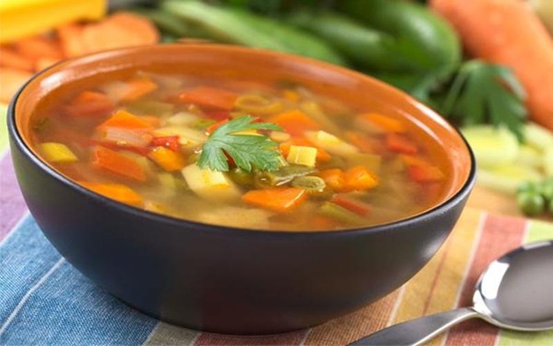 Món súp nóng hôi hổi từ rau củ