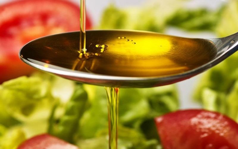 Mẹo từ dầu ăn để trứng chiên mềm mịn và không bị khô
