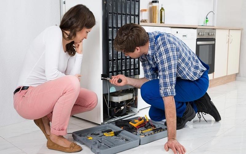 Xốp cách nhiệt bị hỏng hoặc do tủ đã xài quá lấu