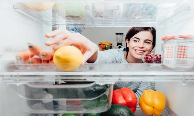 Tủ Lạnh Toshiba Inverter 233 lít GR-A28VM(UKG1) khay chứa linh hoạt