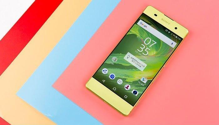Điện thoại Sony Xperia XA với vẻ ngoài ấn tượng đã làm xiêu lòng biết bao vị khách hàng khó tính