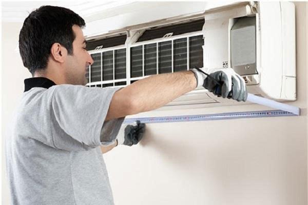 Vệ sinh máy lạnh thường xuyên sẽ giúp không khí thoát ra trong lành