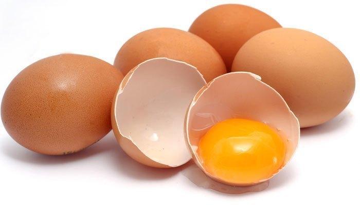 Chỉ nên đặt trứng đã được làm chín vào tủ lạnh bạn nhé!