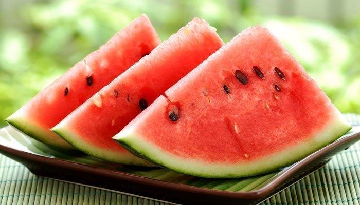 Mềm và nhão là những gì trái cây hàm lượng nước cao sẽ mang đến nếu bạn để chúng trong tủ lạnh