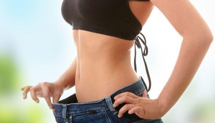 Biện pháp đắp chăn ngủ trong phòng máy lạnh sẽ góp phần vào quá trình giảm cân của bạn đấy!