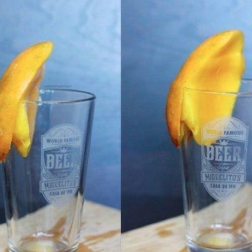 Dùng ly thủy tinh gọt vỏ xoài bạn đã biết chưa?