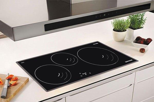 Bếp điện từ tiết kiệm không gian nhà bếp với kích thước nhỏ gọn