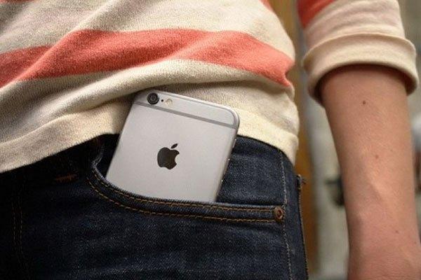 Túi quần chật không phải là nơi lý tưởng cho điện thoại