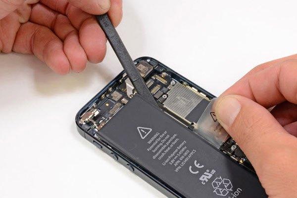 Pin cũ sẽ không an toàn cho điện thoại lẫn người dùng