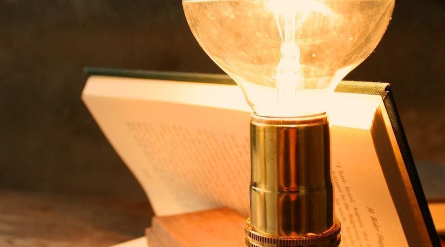 Chọn đèn bàn đúng cách cho năm học mới