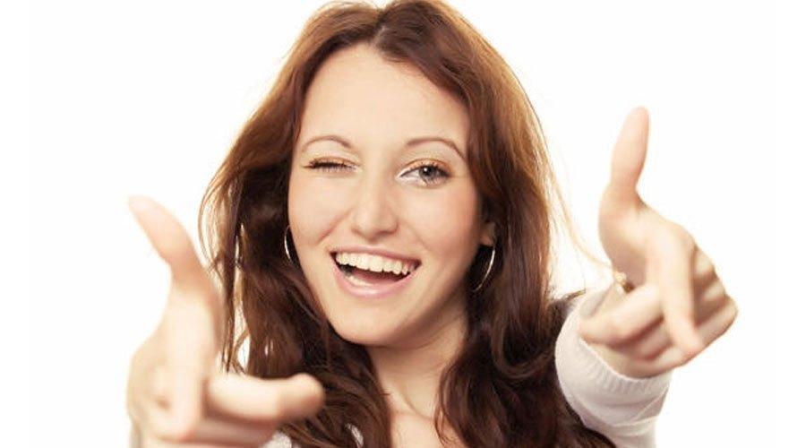 Nên chọn máy sấy tóc có chức năng tự ngắt điện khi quá nóng để đảm bảo an toàn cho bạn nhé