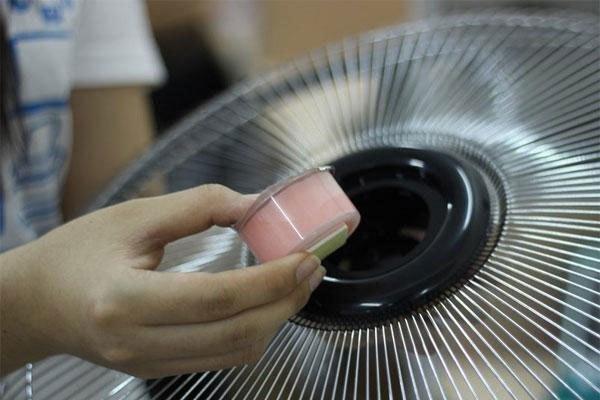 Sử dụng sáp thơm cho quạt sẽ khiến không khí trong phòng thơm mát