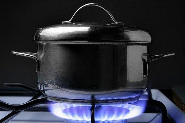 Sử dụng nồi phù hợp khi sử dụng bếp gas cũng là cách tiết kiệm gas hiệu quả