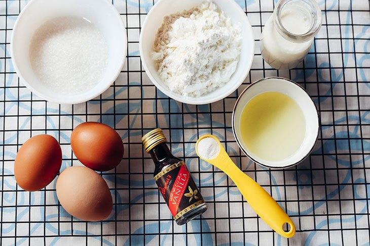 Nguyên liệu cần chuẩn bị cho món bánh bông lan làm bằng chảo chống dính