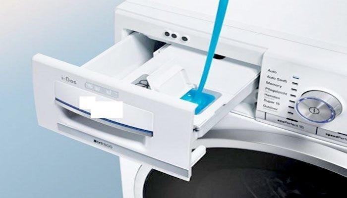 Sử dụng chất tẩy giặt không tạo bọt cho máy giặt cửa trước