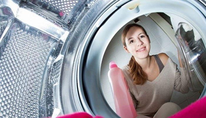 Vệ sinh máy giặt thường xuyên và kĩ càng ở bộ phận lưới lọc