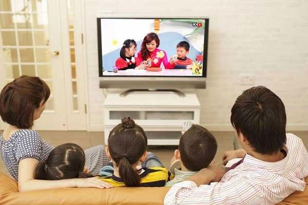 Những chương trình về gia đình là lựa chọn tốt nhất khi xem tivi của mẹ bầu