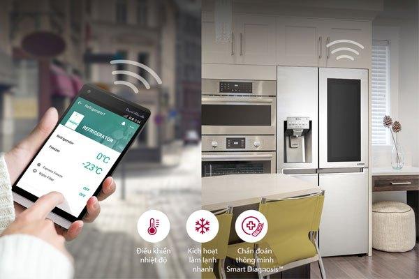 Dù bạn có ở nơi đâu thì Smart ThinQ cũng giúp bạn quản lý tủ lạnh LG dễ dàng
