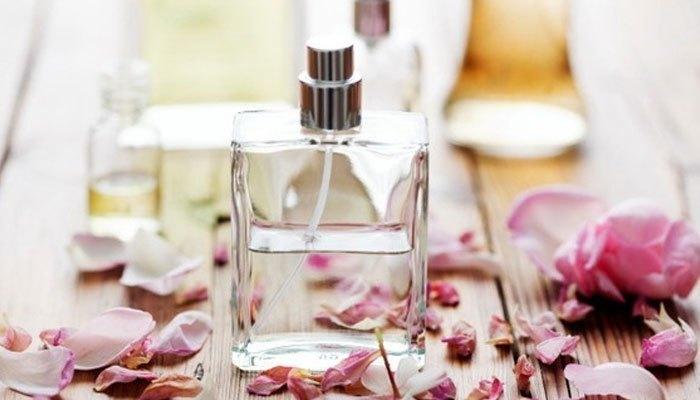 Nước hoa cần được bảo quản trong tủ lạnh để lưu giữ mùi hương