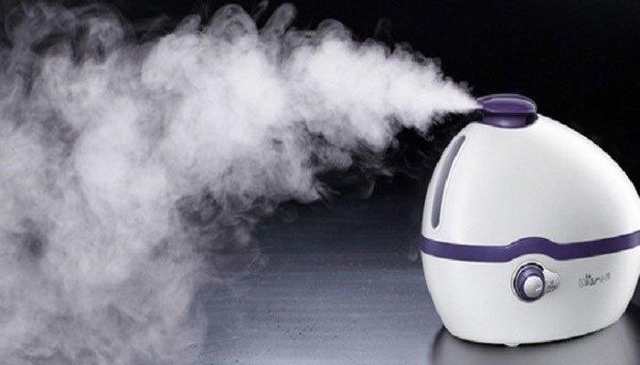 Máy tạo ẩm sẽ đánh bay không khí hanh khô do máy lạnh mang lại