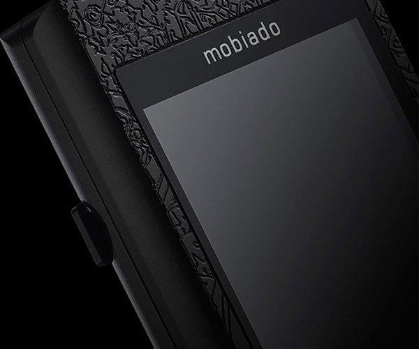 Bộ khung điện thoại kết hợp với tấm tinh tể sapphire cỡ lớn