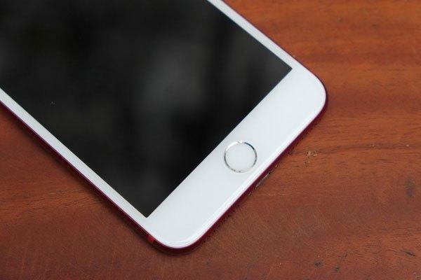 Viền phím Home điện thoại iPhone 7 Plus màu đỏ là màu bạc