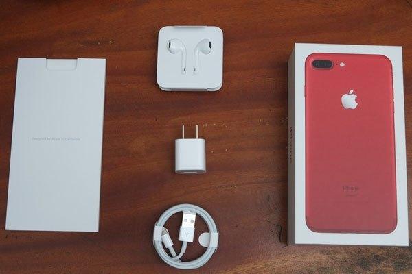 Bộ phụ kiện điện thoại iPhone 7 Plus màu đỏ vẫn như các bản khác