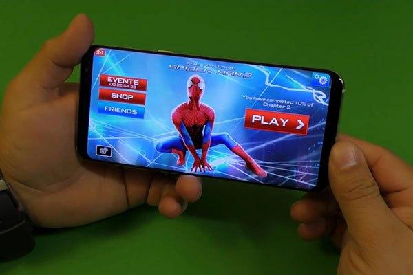 Tỷ lệ màn hình lạ cùng tiêu chuẩn kỹ thuật mới của bộ đôiđiện thoại S8/S8 Plus sẽ mang đến bạn cảm giác hòa mình vào trong những bộ phim